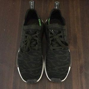 Men's Adidas tennis shoes. Size 10.5. EUC